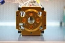 Thruster assembly with AM Part